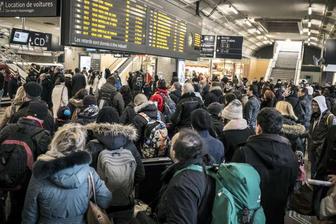 Jour de grève de la SNCF à la gare de Lyon-Part-Dieu en février 2015.