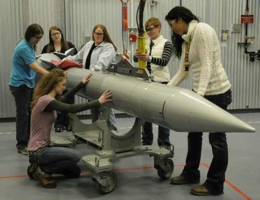 La société Pantex Engineers accueille un groupe de stagiaires pour présenter les opportunités d'une carrière d'ingénieur pour les femmes.