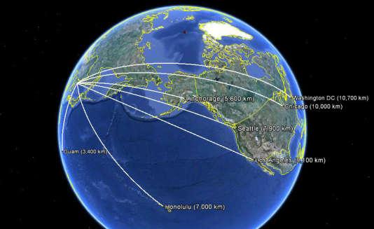 Simulation de trajectoires de vols de missiles balistiques intercontinentaux (ICBM) mis à feu depuis la Corée du Nord.