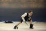 """Le comédien Hervé Pierre incarne Hatch, le marchand de tissu et garde-côte dans """"La Mer"""", d'Edward Bond, mise en scène par Alain Françon à la Comédie-Française."""