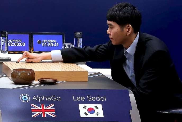 L'un des meilleurs joueurs de go, Lee Sedol, face au programme AlphaGo.
