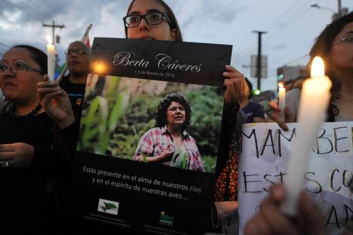 Hommage à Berta Caceres, le 8  mars, à Tegucigalpa, la capitale du Honduras.