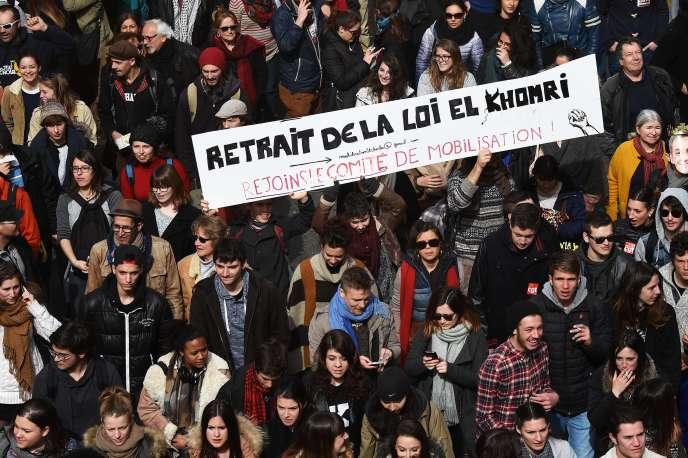 Des milliers de manifestants ont défilé le 9mars à Marseille contre le projet de loi sur la réforme du code du travail.
