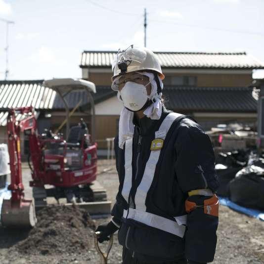 Taro, 19 ans, travailleur de la décontamination, vient de Hokkaido, attiré par un bon salaire, mais inquiet du niveau de radioactivité.