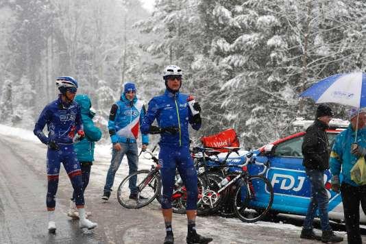 L'étape de Paris-Nice entre Cusset et Mont Brouilly a été interrompue à cause de la neige mercredi 9 mars.