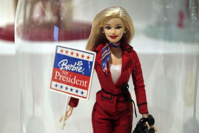 Barbie est exposée, jusqu'au 18 septembre, au Musée des arts décoratifs, à Paris.