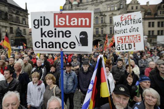 Lors d'une manifestation du mouvement anti-islam Pegida à Dresde en Allemagne le 1 juin 2015.