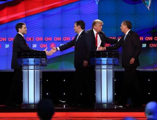 Les candidats à l'investiture républicaine Marco Rubio, Ted Cruz, Donald Trump et John Kasich, lors du débat organisé en Floride par CNN, le 10mars.