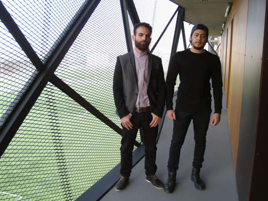 Mohamed et Faouzi, deux étudiants syriens originaires de Hama et d'Alep, bénéficient d'un dispositif d'accueil mis en place par le Crous de Paris.