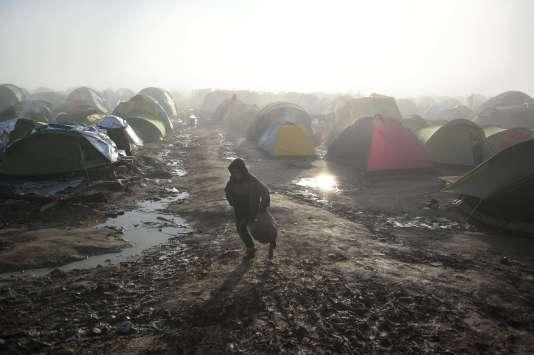 Camp des réfugies et migrants à Idomenis, sur la frontière entre la Grèce et la Macédoine  / AFP / DANIEL MIHAILESCU
