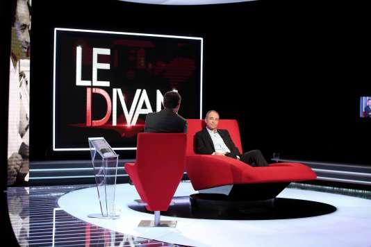 """Enregistrement de l'émission en 2016 """"Le Divan"""" présentée par Marc-Olivier Fogiel avec Jean-François Copé en invité, le 9 janvier 2016."""