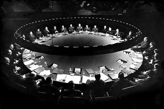 "La ""War Room"" dans ""Docteur Folamour"" (1964), de Stanley Kubrick."