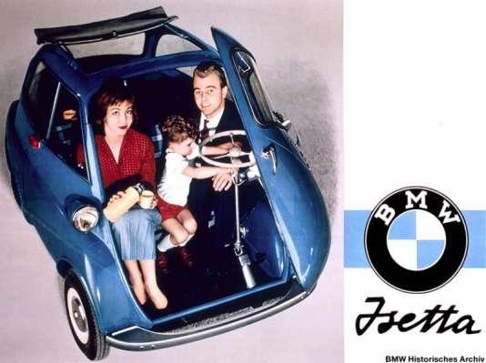 L'Isetta présente une particularité  : son unique portière, à l'avant.