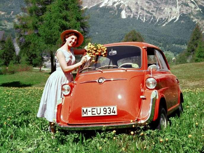Avec 2,28mètres de longueur, l'Isetta peut se garer absolument partout.