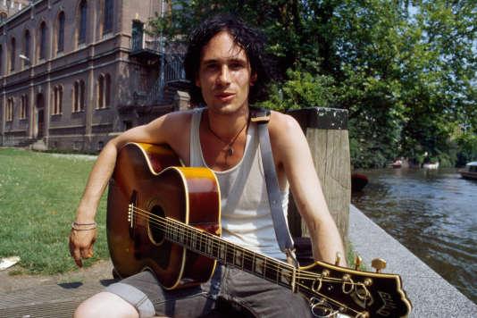 L'auteur-compositeur et interprète américain Jeff Buckley.