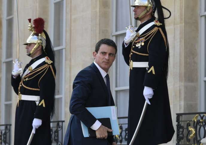 Manuel Valls lors de son arrivée au palais de l'Elysée, le 12 mars.