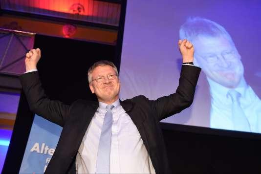 En Saxe-Anhalt, le nouveau parti d'extrême droite, Alternative pour l'Allemagne (AfD), recueillerait, dimanche 13 mars, 21,5% des voix, selon les sondages. Le co-président du parti, Jörg Meuthen, a fait part de sa «joie» devant ces résultats.