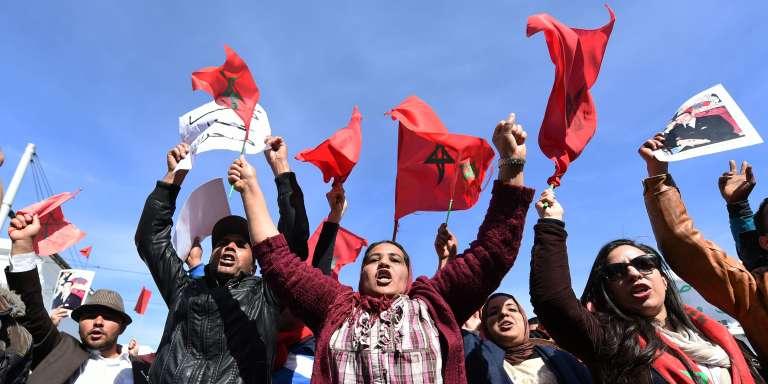 """Manifestation contre les propos du secrétaire général de l'ONU, Ban Ki-moon, après qu'il a évoqué l'""""occupation"""" du Sahara occidental, à Rabat, le 13 mars."""