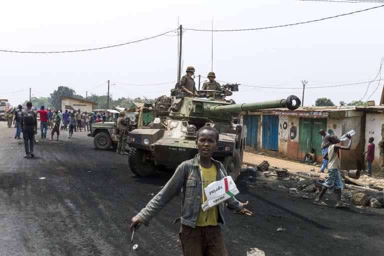 """Des soldats français de l'opération """"Sangaris"""", à Bangui, en février 2014."""