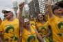 Des manifestants en faveur du juge Sergio Moro protestent à Copacabana, dans la baie de Rio de Janeiro au Brésil, le 13 mars 2016.