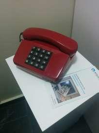 Les téléphones des cabines Intelexit rappellent ceux de la guerre froide.