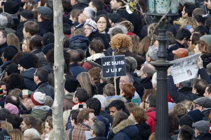 Sur la Place de la République à Paris le 11 janvier 2015.