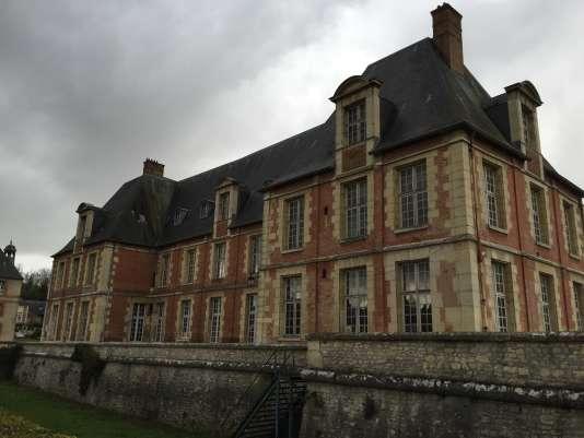 """Le château """"Louis XIII"""" du domaine de Grignon."""