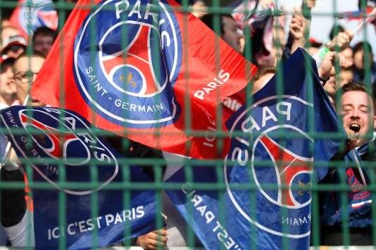 Des supporters du PSG à Troyes le 13 mars 2016.