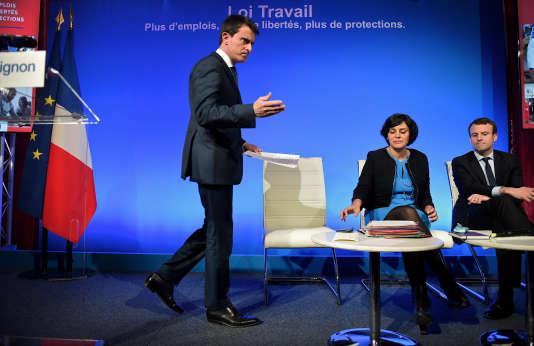 Presentation des grandes lignes du projet de la loi travail a matignon le 14 mars 2016. Manuel Valls  Myriam El Khomri ministre du Travail, de l'Emploi, de la Formation professionnelle et du Dialogue social. Emmanuel Macron, ministre de l'Economie, de l'Industrie et du Numérique