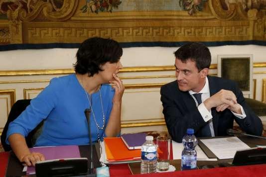 Myriam El Khomri et Manuel Valls, à Matignon le 14 mars.
