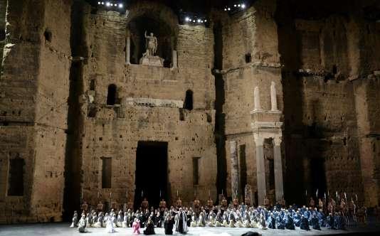 """Une représentation de """"Nabucco"""" de Giuseppe Verdi, dans le cadre des Chorégies d'Orange, en juillet 2014."""