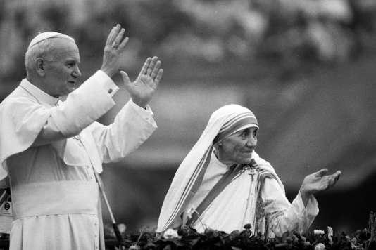 Mère Teresa et le pape Jean-Paul II, le 3 février 1986.