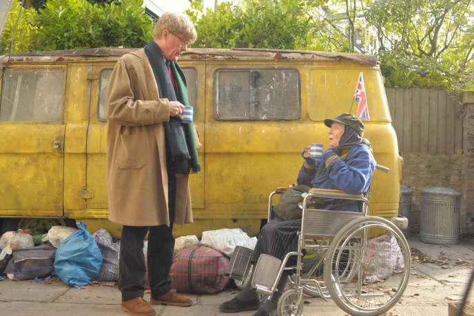 Alex Jennings (Alan Bennett) et Maggie Smith (Mary Shepherd) dans le film britannique de Nicholas Hytner,