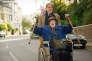 """Alex Jennings (Alan Bennett) et Maggie Smith (Mary Shepherd) dans le film britannique de Nicholas Hytner, """"The Lady in the Van""""."""