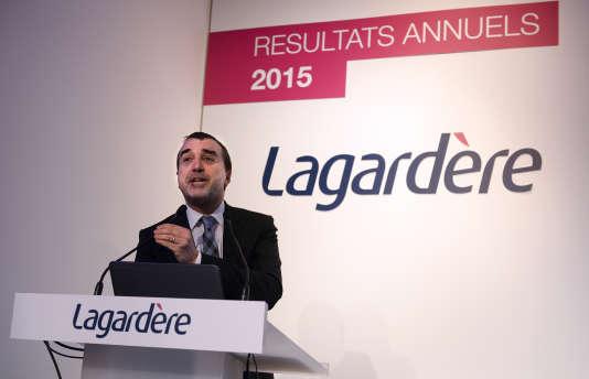 Arnaud Lagardère lors de la présentation des résultats du groupe à Paris le 9 mars 2016.