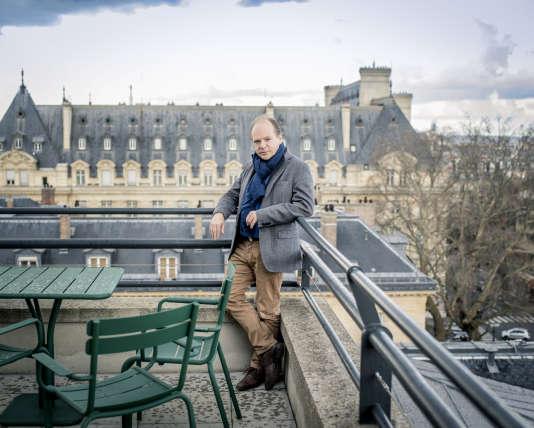 Patrick Boucheron, sur la terrasse du Collège de France, à Paris, en mars 2016.