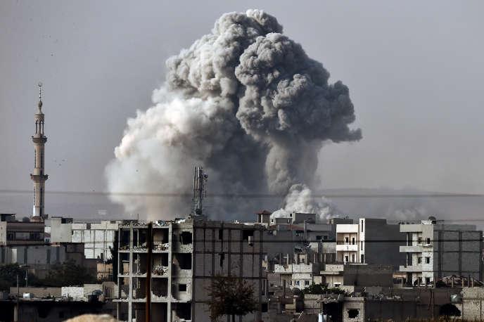 Abou Firas Al-Souri était en réunion avec d'autres djihadistes importants lorsqu'il a été atteint par des raids aériens russes ou syriens, selon l'Observatoire syrien des droits de l'homme. (Image d'illustration.)