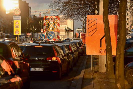 Des dizaines de milliers de personnes viennent chaque jour travailler à Bruxelles.