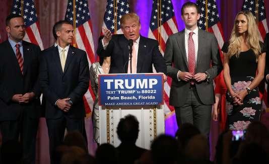 «Je pense que vous auriez des émeutes. Je pense que vous auriez des émeutes, je représente un nombre énorme… des millions de gens», a déclaré Donald Trump sur CNN le 16mars.