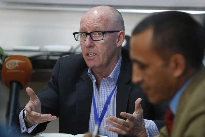 Le coordinateur des Nations Unies au Yémen, Jamie McGoldrick, s'adresse à la presse à Sanaa le 16 mars 2016.