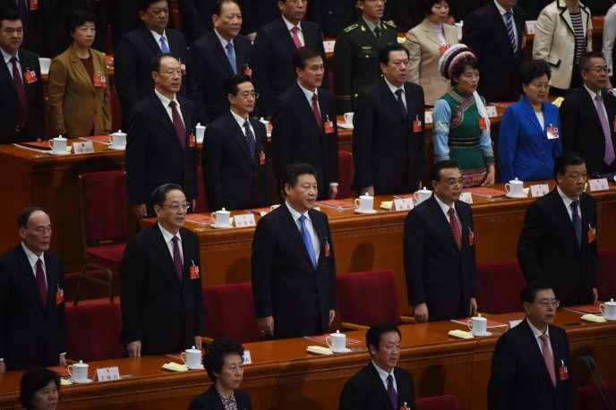 Li Keqiang (deuxième en partant de droite), lors d'une séance de l'Assemblée populaire nationale, à Pékin le 16 mars.
