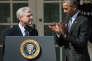 Le président Barack Obama applaudit Merrick Garland le 16 mars 2016 à la Maison Blanche, Washington,  in the Rose Garden at the White House in Washington, DC, on March 16, 2016.