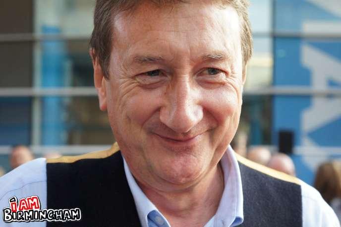 Stephen Knight, créateur de la série britannique