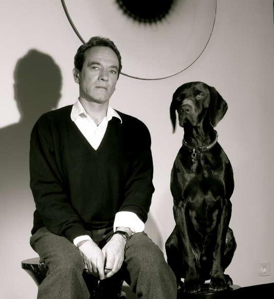 Eric Schmitt, designer atypique, célèbre ses trente ans de créations.