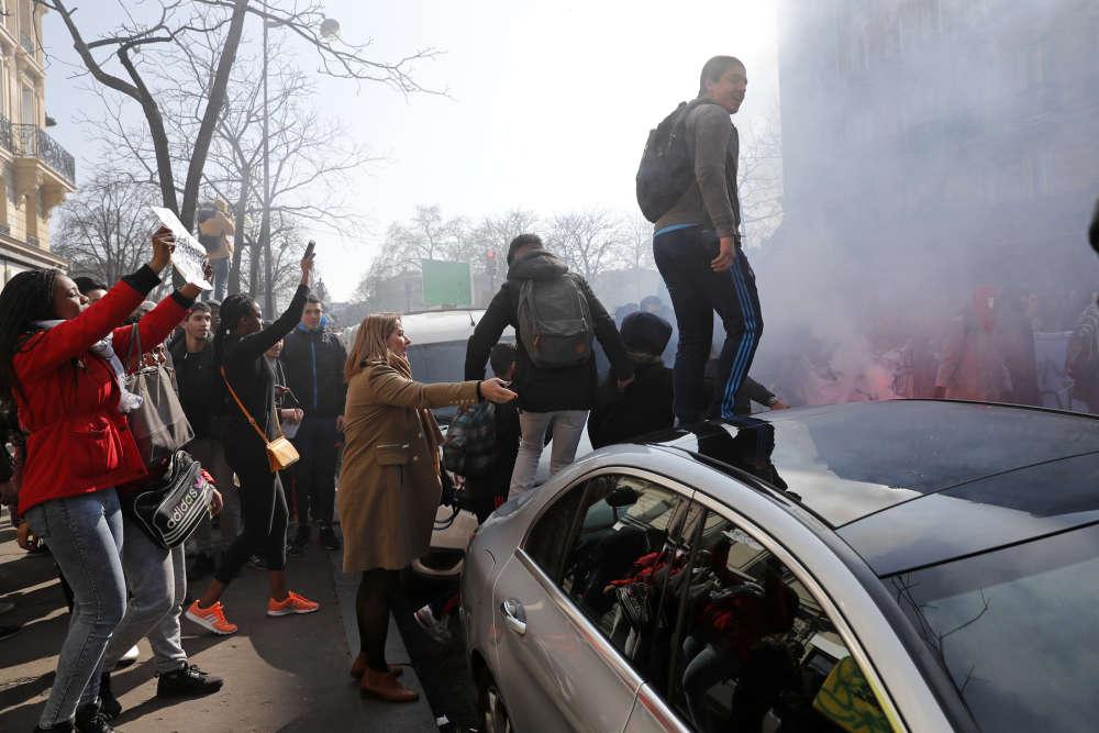 Le défilé parisien.