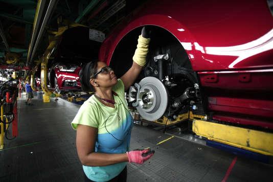 Dans l'usine Ford de Flat Rock, dans le Michigan, qui fabrique notamment des Ford Mustang