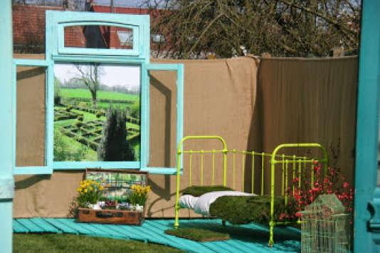 Lit en herbes et autres inventions jardinières à Locon, dans le Pas-de-Calais (2015).