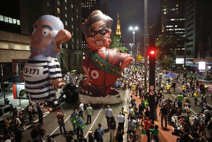 Une manifestation contre le pouvoir au Brésil, le 17 mars 2016.