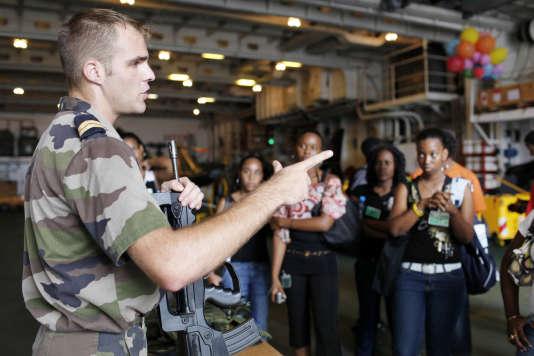 Lors d'une journée d'appel de préparation à la défense (aujourd'hui «journée défense et citoyenneté»), à Fort-de-France, en 2010.