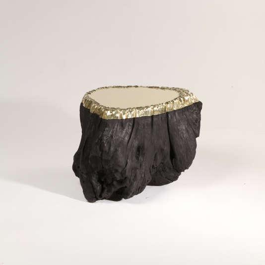 Guéridon Souche n°2, souche d'arbre noircie et bronze poli, 2012 pour la galerie En Attendant les Barbares.